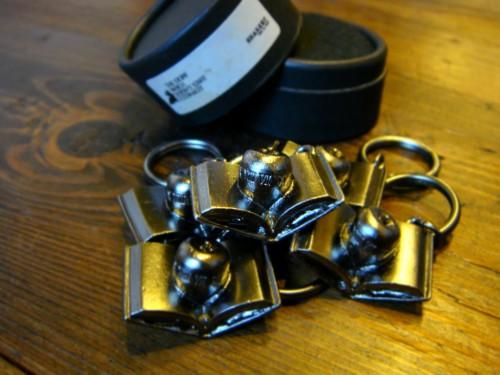 【 SHAREEF 2012 S / S COLLECTION の豪華ノベルティをプレゼント致します 】