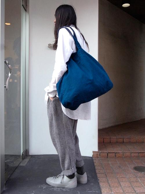 【BLACK & BLUE のトートバッグ】