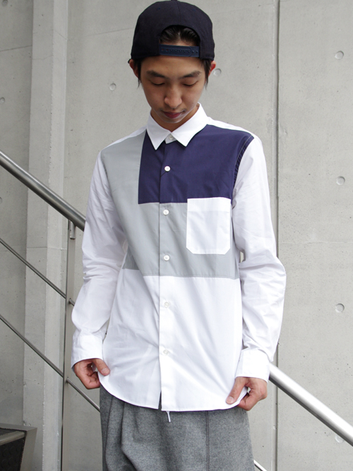 【BLACK & BLUEの切り替えデザインが魅力的なシャツ】