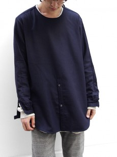 FFIXXED STUDIOUSのミニマルなプルオーバーシャツ