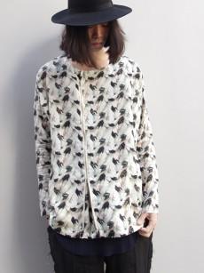 Iroquoisのライダース風デザインのプルオーバーシャツ