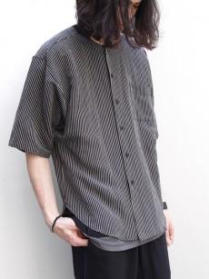 HENRIK VIBSKOVのノーカラーシャツ
