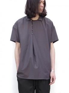 TROVEの半袖プルオーバーシャツ