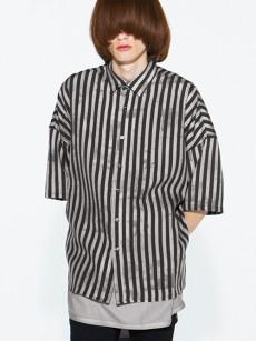 SHAREEFのストライプ柄のワイドシャツ