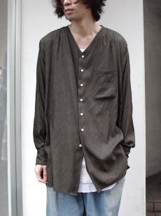 TROVE // VALO V-NECK SHIRT