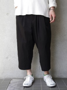 VOAAOV // nylon cropped pants