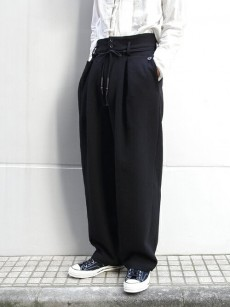 wizzard // HIGH WAISTED WIDE PANTS