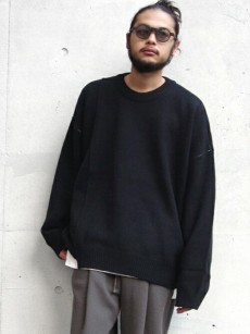 wizzard // OVERSIZED CREW NECK KNIT