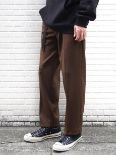 soe // Basic Sports Slacks