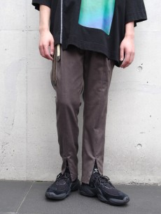 JieDa // SWITCHING TUCK SLACKS
