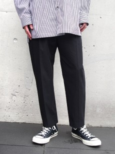 wizzard // TAPERED CROPPED TROUSERS