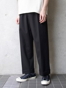 JUHA // STRIPE TAPERED CROPPED PANTS
