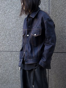 JieDa // POWER SHOULDER DENIM JACKET