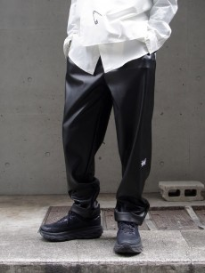 JieDa // FAKE LEATHER 2TUCK TAPERED PANTS